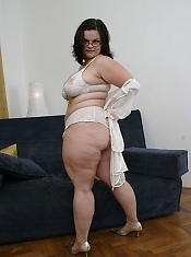 BBW Katarina is out to show big big babes have the biggest sex drives